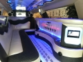 Крайслер 300C черно-белый лимузин