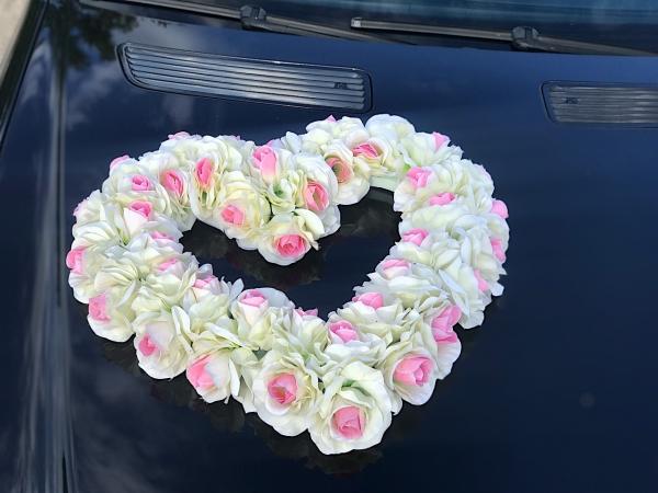 Объемное сердце из роз (бело-розовый цвет)