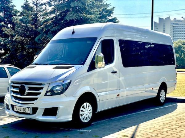 Микроавтобус Мерседес спринтер 2015